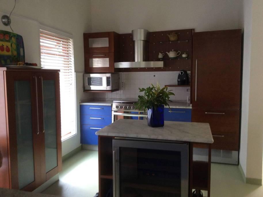 Kitchen area - Vilas in Barbados